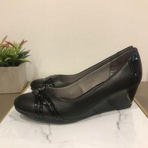 Black comfy wedges heels